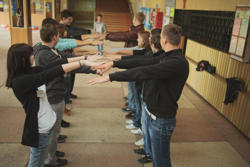 на сплочение коллектива и тренинг мини знакомство